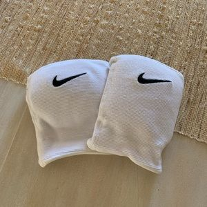 Nike volleyball kneepads